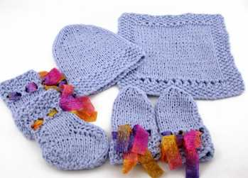 Knitting Pattern: Newborn Welcome Set