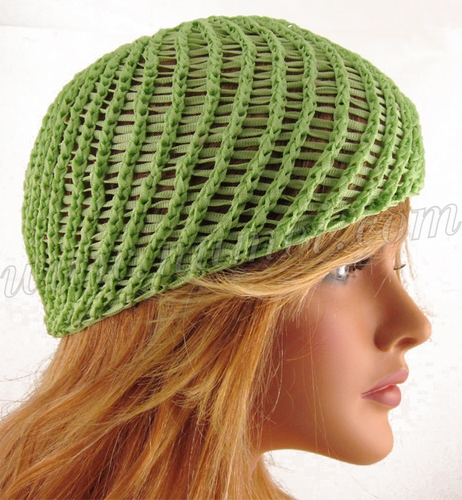 Knit Hat Stitch Calculator : Knitting Pattern: Abriana Diagonal Stitch Beanie