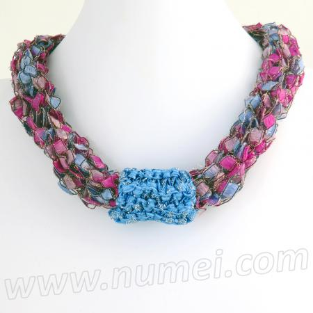 Free Pattern: Knit Ladder Ribbon Necklace
