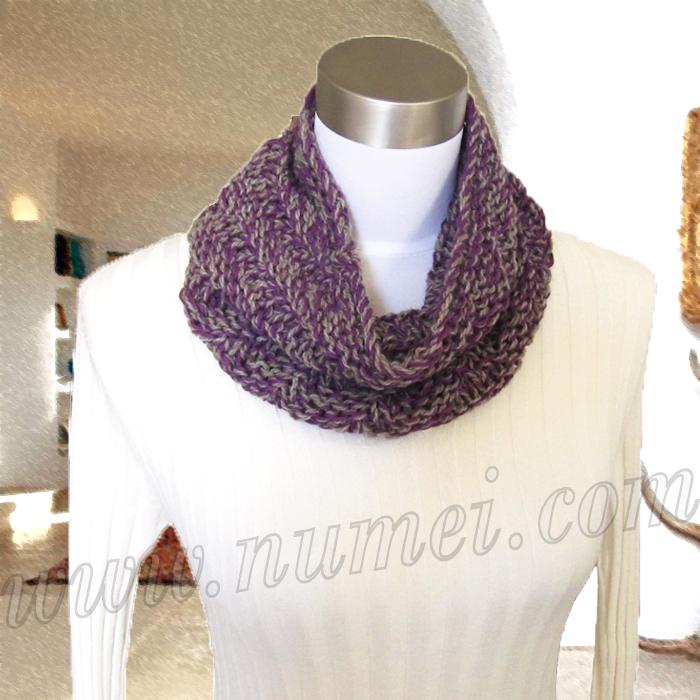 Free Knitting Pattern: Morgana Diagonal Ribbed Cowl