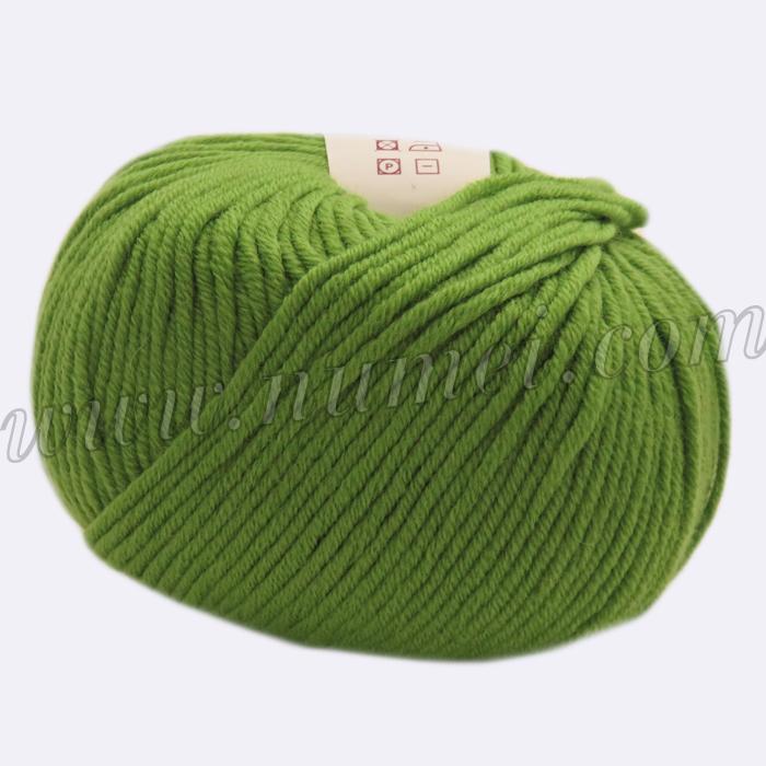 Berlini Merino Velvet Worsted 130 Green Apple