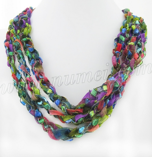 Free Crochet Pattern: Ladder Ribbon Necklace Images - Frompo