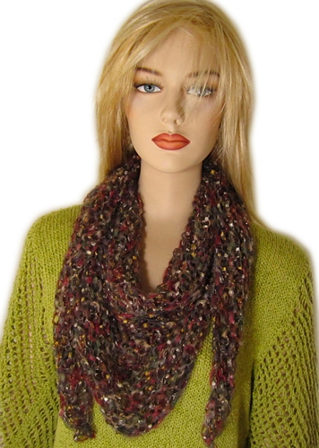 Knitting Patterns For Triangular Scarf : Free Knitting Pattern: Julia Triangle Scarf