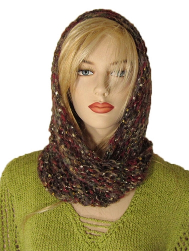 Knitting Pattern Triangle Head Scarf : Free Knitting Pattern: Julia Triangle Scarf
